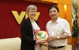 PTGĐ Phạm Việt Tiến tiếp xã giao Chủ tịch Hiệp hội các nhà thu âm chuyên nghiệp Hoa Kỳ