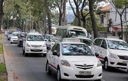 Giá cước taxi rục rịch tăng gần 1.000 đồng/km