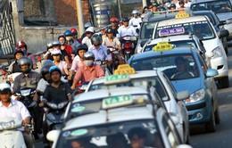 Từ 3/10, Thứ trưởng Bộ Tài chính tự lái xe hoặc thuê taxi đi làm