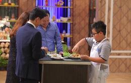 Vua đầu bếp nhí: Cậu bé rụng răng gây sửng sốt với món cơm gia truyền