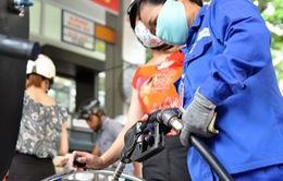 Phục vụ Tết Đinh Dậu, Petrolimex nhập thêm hàng triệu tấn xăng dầu