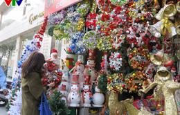 Phố phường Hà Nội rực rỡ sắc màu đón Giáng sinh