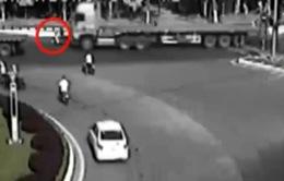 """Đà Nẵng: Hình ảnh camera giao thông """"tố"""" tài xế đâm chết người"""