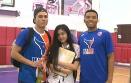 Buổi giao lưu bóng rổ đặc biệt giữa Hanoi Buffaloes và các em học sinh