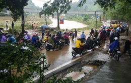 Giao thông nông thôn gặp khó khăn sau lũ