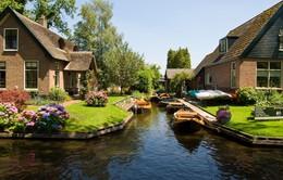 Đẹp mê ngôi làng cổ tích ở Hà Lan
