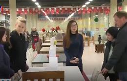 """Đồ gỗ Việt Nam """"cháy"""" hàng ở Nga"""