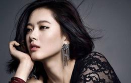 Mỹ nữ nhà SM Go Ara coi trọng diễn xuất hơn tự do cá nhân