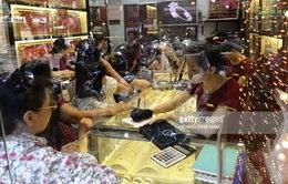 Giá vàng trong nước bất ngờ tăng mạnh, cao hơn thế giới 4 triệu đồng/lượng