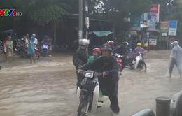 Đảm bảo an toàn giao thông các tuyến đường ngập lụt