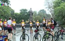 Nhóm thiện nguyện ngoại quốc 7 năm quyên góp 4,8 tỷ đồng cho trẻ em Việt Nam