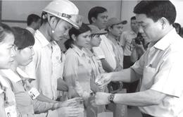 """Chủ tịch UBND T.P Hà Nội Nguyễn Đức Chung: """"Công nhân bức xúc gì, có thể gọi cho tôi"""""""