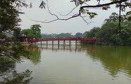 Không khí tất bật trước ngày Hà Nội ra mắt phố đi bộ quanh Hồ Gươm