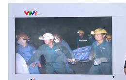 Vụ bục túi nước hầm lò Quảng Ninh: Đưa thi thể nạn nhân ra ngoài