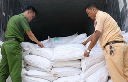 Hà Tĩnh: Bắt xe tải chở 29 tấn phụ gia lậu từ Trung Quốc