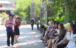 """Nhức nhối thực trạng hướng dẫn viên du lịch """"chui"""" tại Việt Nam"""