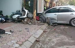Ô tô mất lái tông liên hoàn, 2 người tử vong