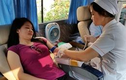 """Đông đảo người dân Phú Quốc tham gia ngày hội hiến máu """"Giọt hồng đảo ngọc"""""""