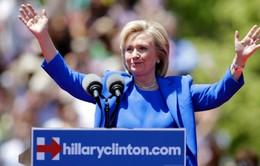 Cựu Ngoại trưởng Mỹ Hillary Clinton, tỷ phú Donald Trump thắng lớn