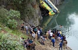 Xe bus lao xuống sông ở Ấn Độ, ít nhất 41 người thương vong