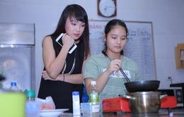 Vua đầu bếp Minh Nhật choáng trước tài nấu nướng của thí sinh nhí