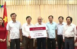 Agribank ủng hộ ngư dân Thừa Thiên - Huế 5 tỷ đồng và 25 tấn gạo