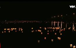Lung linh đêm hoa đăng tri ân liệt sỹ trên sông Thạch Hãn, Quảng Trị