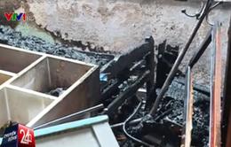 Bất ngờ cháy nhà nghi do sự cố cắm sạc iPhone