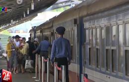 Hành khách mua vé tàu bị ảnh hưởng mưa lũ sẽ được hoàn tiền