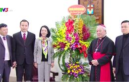 Đồng chí Trương Thị Mai chúc mừng đồng bào Công giáo nhân dịp Giáng sinh