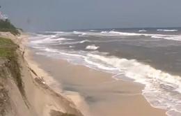 Thừa Thiên - Huế: Bờ biển bị xâm thực mạnh sau lũ
