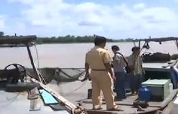 Phát hiện nhiều phương tiện đánh bắt thủy sản hủy diệt tại Cần Thơ