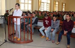 Lâm Đồng: Sát hại cha, con trai lĩnh 12 tháng tù giam