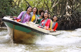Thí sinh Hoa hậu Việt Nam 2016 mặc áo bà ba, phi cano lướt sóng