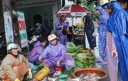 Ảnh hưởng mưa lũ, rau xanh ở Nghệ An tăng giá