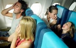 Cần làm gì nếu có trẻ em cùng đi trên chuyến bay?