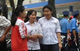 Thi lớp 10 THPT tại Hà Nội: Phụ huynh lo lắng cho con sau khi thi môn Văn