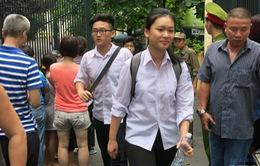 """Thi lớp 10 THPT tại Hà Nội: Thí sinh phấn khởi vì môn Toán """"dễ thở"""""""