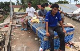 Khung cảnh đổ nát sau trận động đất tại Indonesia