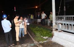 An Giang: Xe máy tự đâm vào lan can cầu, 2 người thương vong