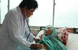 Can thiệp nội mạch cứu sống cụ bà 90 tuổi bị xuất huyết tiêu hóa