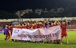 Sáng mai (13/10), ĐT Việt Nam giao lưu và tặng quà các trẻ em làng SOS