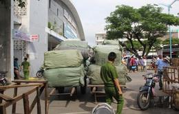 Phát hiện 10 tấn quần áo nhập lậu từ Trung Quốc tại Đà Nẵng