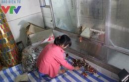 Phát hiện cơ sở sản xuất bánh kẹo mứt Tết mất vệ sinh ngay trên địa bàn Thủ đô