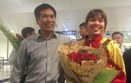 Kiếm thủ Như Hoa xúc động khi trở về Việt Nam