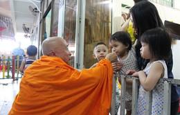 Vị sư già nuôi dưỡng hàng trăm đứa trẻ bị bỏ rơi tại TP HCM