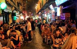 Hà Nội bỏ giờ giới nghiêm: Giới trẻ hưởng ứng, hộ kinh doanh mong đợi