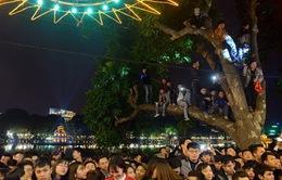 Chen lấn trong đêm Giao thừa: Thiếu quảng trường hay kém ý thức nơi công cộng?