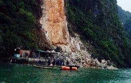CẬN CẢNH: Sạt lở kinh hoàng ở Quảng Ninh, 3 bảo vệ bị đất đá chôn vùi mất tích
