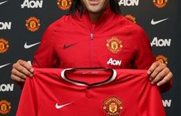 Phiên chuyển nhượng cuối Hè khép lại: SỐC: Man United CHÍNH THỨC sở hữu Radamel FALCAO, Danny Webeck về Arsenal!